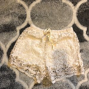 HIP lace shorts